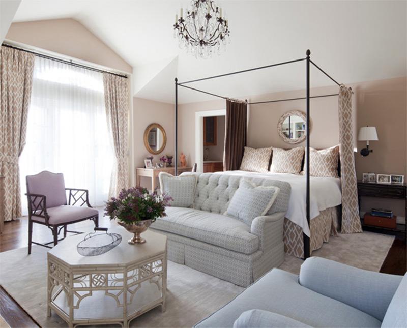 hampton new york interior white bedroom chandelier sofa