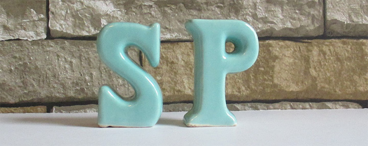 letters salt pepper shakers