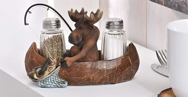moose canoe salt pepper