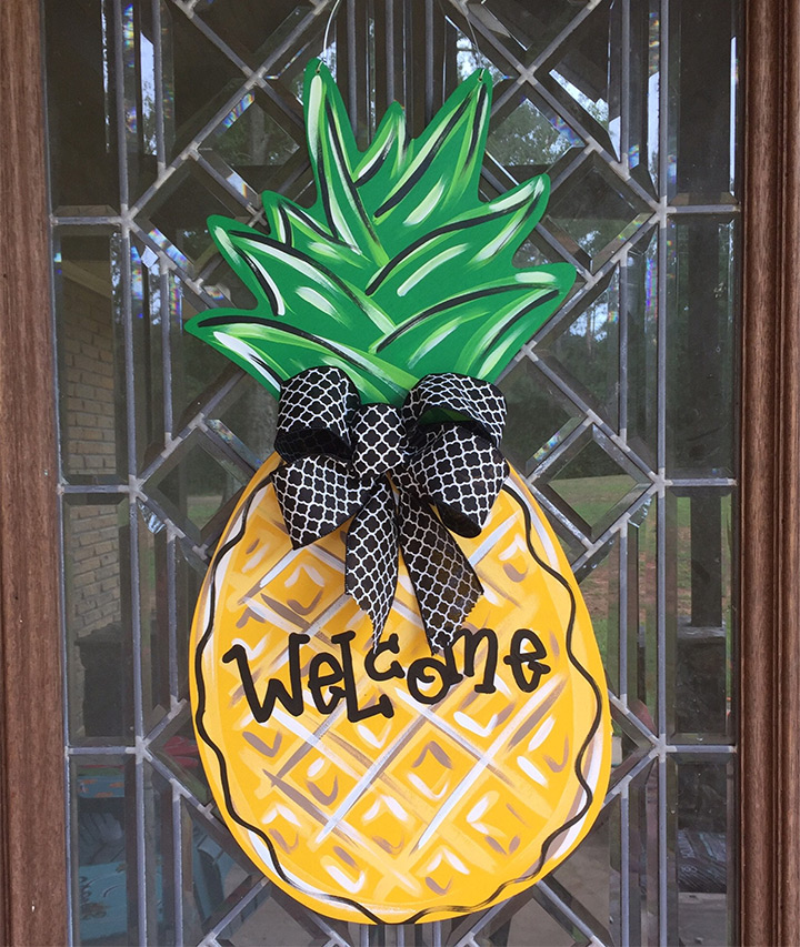 pineapple door hangers