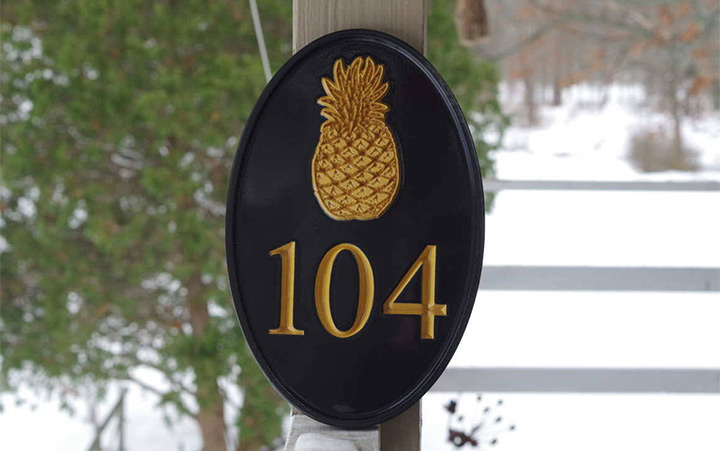 pineapple house numbers
