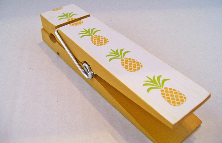 pineapple clothes pins