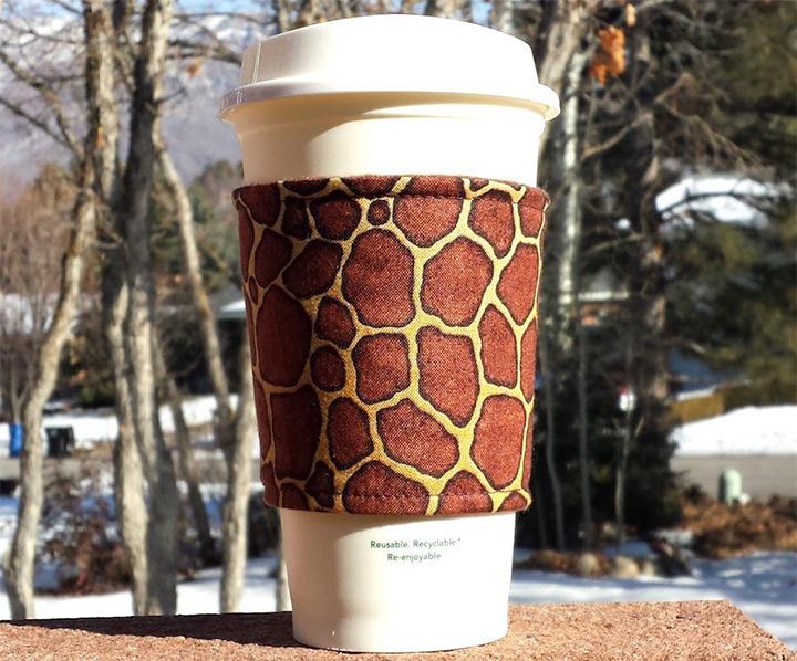 cup cozy giraffes