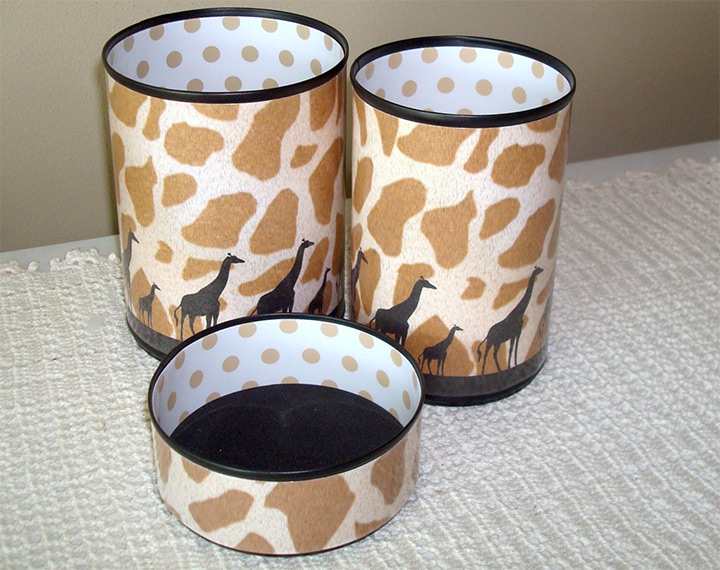 containers giraffe prints