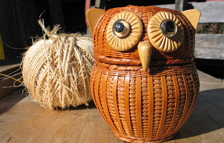 wicker owl decoration
