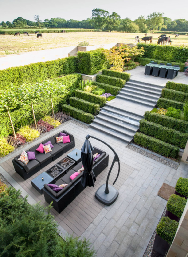 garden sunken patio with steps