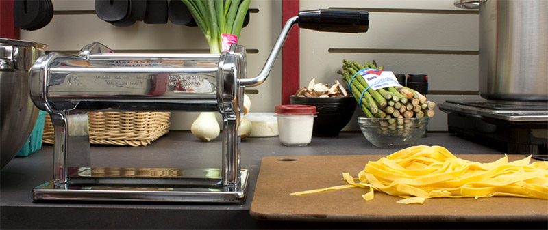 pasta machine with thick noodles