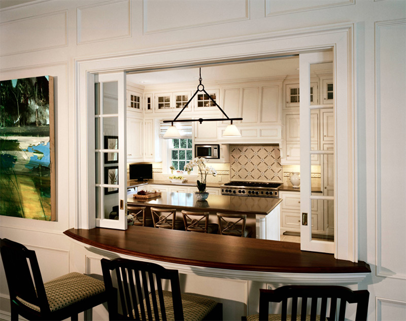 colonial style kitchen with passthrough
