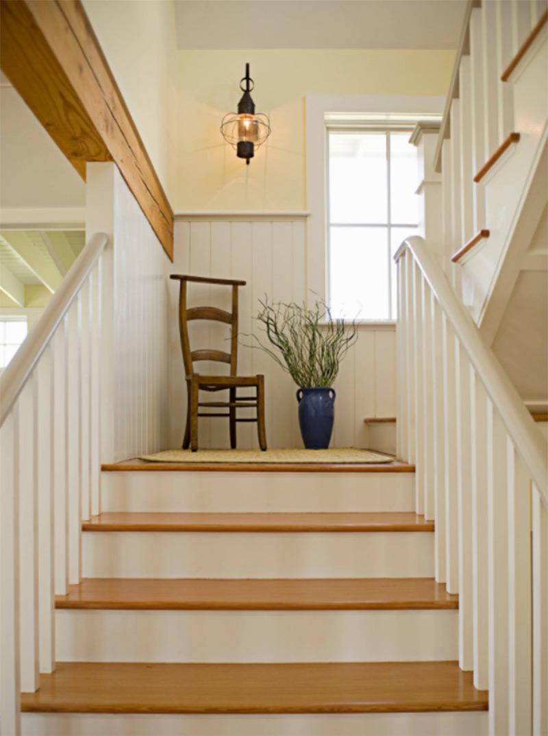 Newport RI staircase landing