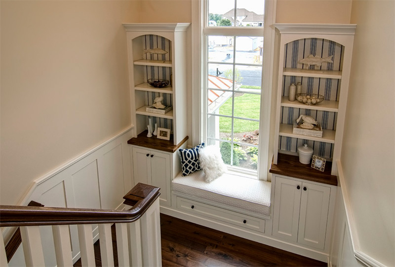 Staircase landing with window seating