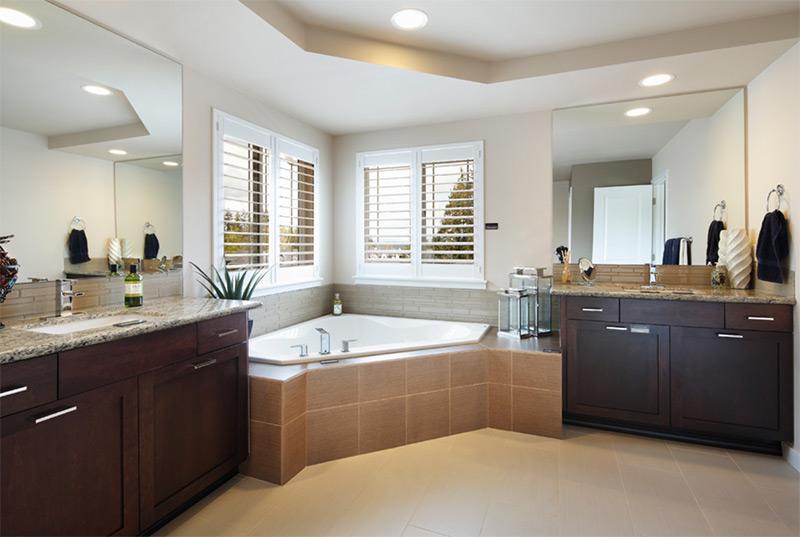 Modern bathroom corner tub design