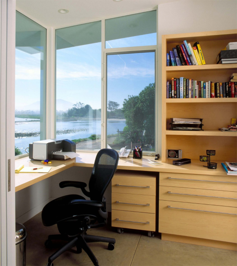 Corner desk in beach office