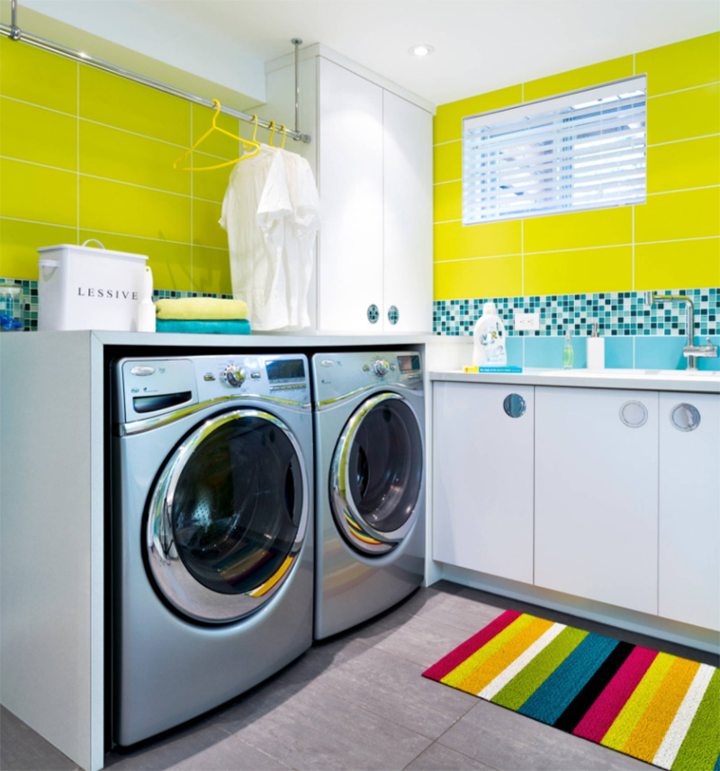 Yellow and bright colors in the laundry room