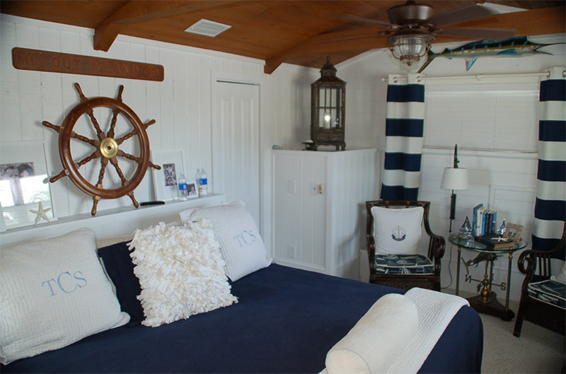 Beach nautical bedroom styled like a boat