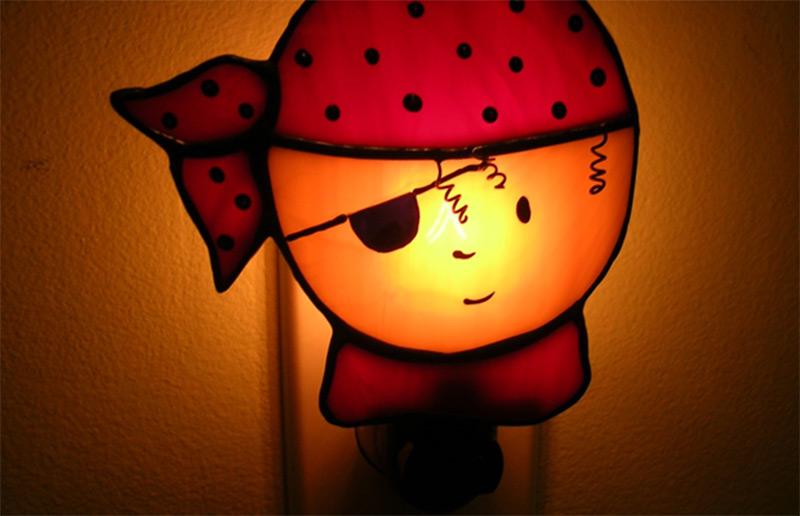 nightlight pirate head