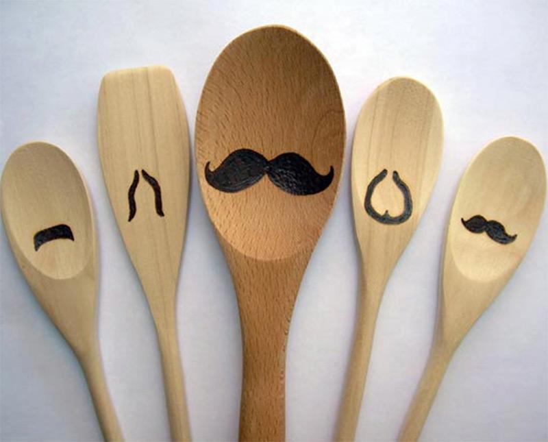 5-set wooden spoons mustache design